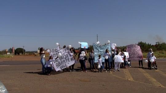 Mulheres de detentos protestam em MS contra fim de visitas íntimas nos presídios federais