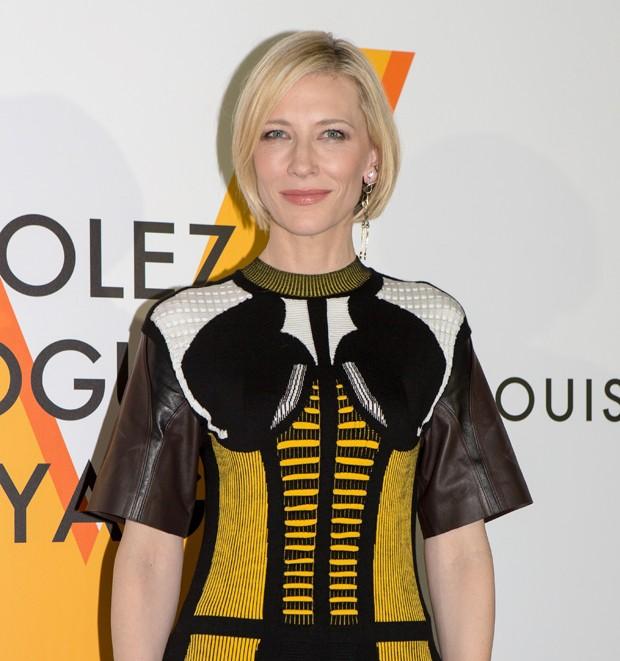 A atriz Cate Blanchett prestigiou a exposição  (Foto: Getty Images)