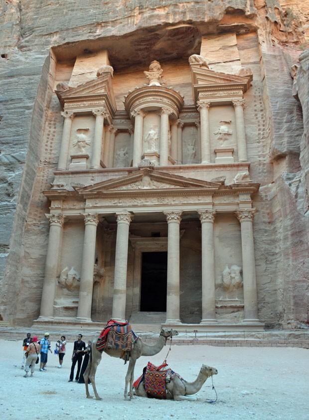 O Tesouro, principal ponto do sítio arqueológico de Petra, com pouquíssimos visitantes (Foto: Juliana Cardilli/G1)