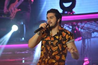 Luan Santana em show em Limoeiro, interior de Pernambuco (Foto: Felipe Souto Maior/ Ag. News)