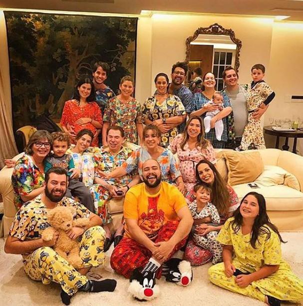 Festa do pijama do Silvio Santos (Foto: Reprodução/Instagram)