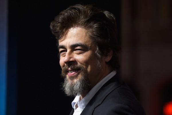Benicio Del Toro tem a comodidade de carregar seu amuleto da sorte, um anel de metal e madeira, sempre com ele. (Foto: Getty Images)