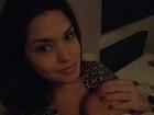 Thais Fersoza publica foto fofa com a filha: 'Amo ficar agarradinha assim'