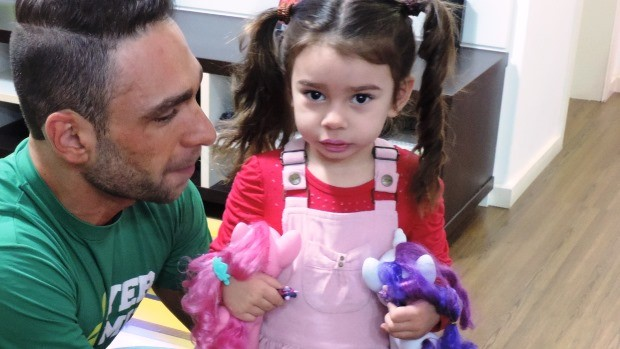 Mudança radical de vida foi quando Alysson descobriu que seria pai (Foto: Géssica Valentini/RBS TV)