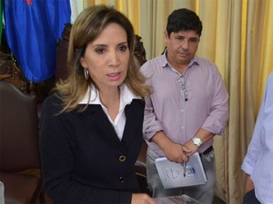 Dárcy Vera citou locais que não integram mais programação da Feira do Livro (Foto: Adriano Oliveira/G1)
