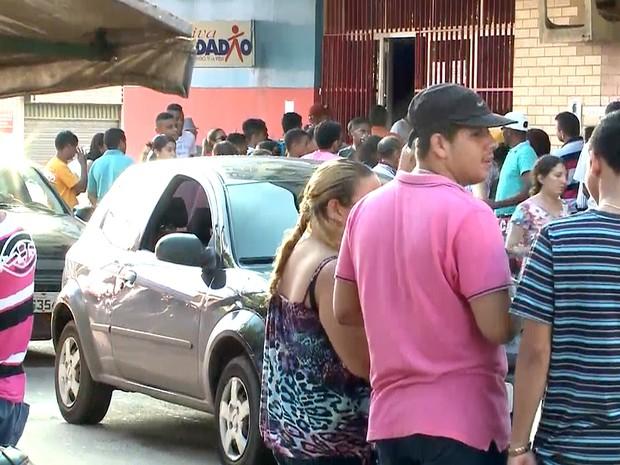 No CSU da Cohab, eleitores também deixaram para última hora (Foto: Reprodução/TV Mirante)