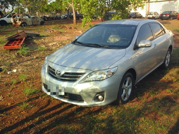 O carro, encontrado com uma mulher em Palmas, havia sido roubado durante assalto em Goiânia (Foto: Divulgação/SSP TO)