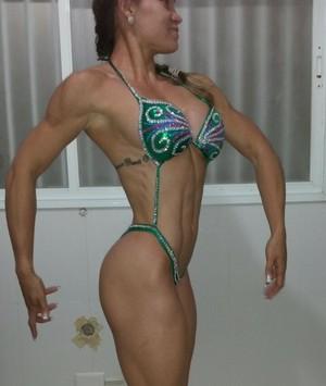Michele se prepara para estrear em competições de fisiculturismo (Foto: Fabrício Moretto / Cedida)
