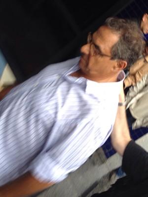 Milton Pascowitch chega à sede da PF em São Paulo (Foto: Kleber Tomaz/G1)