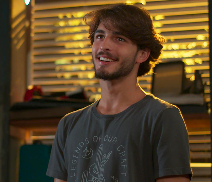 Ops... Roger chegou na hora errada! (Foto: TV Globo)