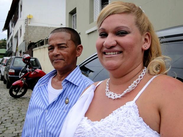 Depois de sete anos juntas, Célia e Grazielle resolveram se casar. (Foto: Pedro Cunha/G1)