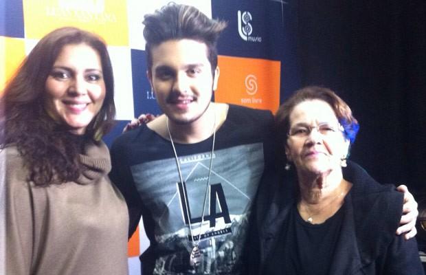Eva e a mãe, Elenira, conheceram Luan Santana (Foto: Arquivo Pessoal)