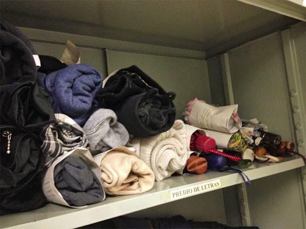 Itens perdidos com mais frequência são guarda-chuvas e blusas (Foto: Ana Carolina Moreno/G1)
