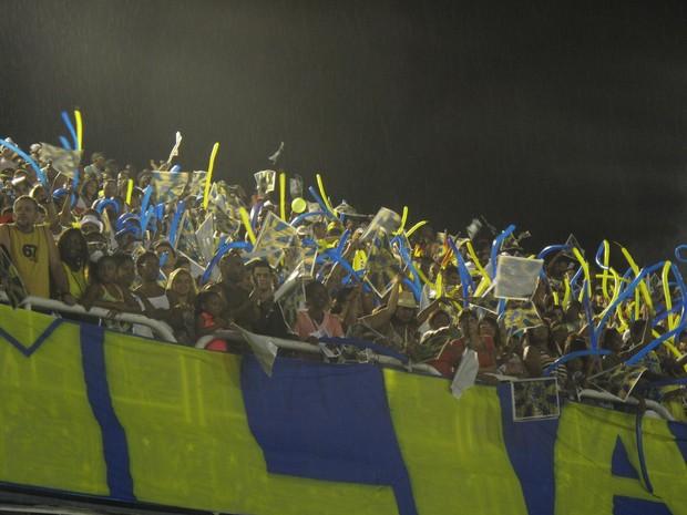 Mesmo com chuva, público lota ensaio da Unidos da Tijuca (Foto: Isabela Marinho/ G1)