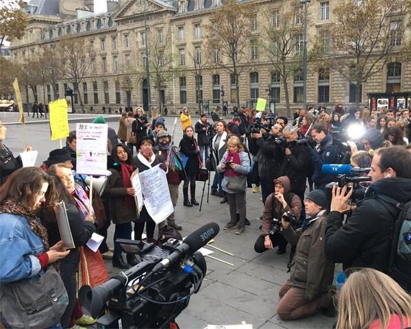 Mulheres deixam o trabalho mais cedo na França em protesto contra disparidade salarial (Foto: Reprodução do Twitter)