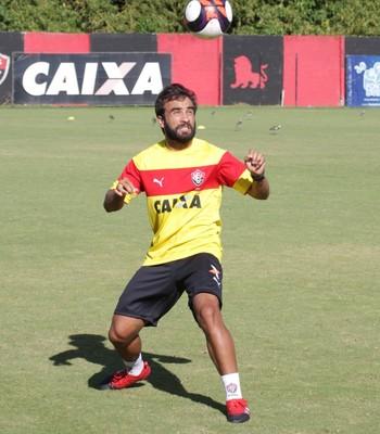 Gabriel Xavier; Vitória (Foto: Moysés Suzart/Divulgação/EC Vitória)