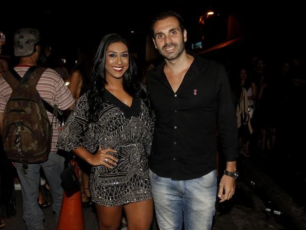 Amanda Djehdian e namorado (Foto: Celso Tavares/EGO)