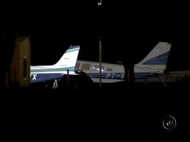 Avião foi interceptado pela FAB na região de Araçatuba (Foto: Reprodução/TV TEM)