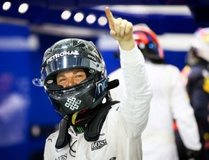 Nico Rosberg celebra pole position para GP de Cingapura (Foto: EFE)