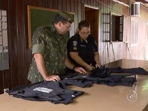 Exército fez fiscalização na Guarda Municipal de Mairinque (Foto: Reprodução/TV TEM)