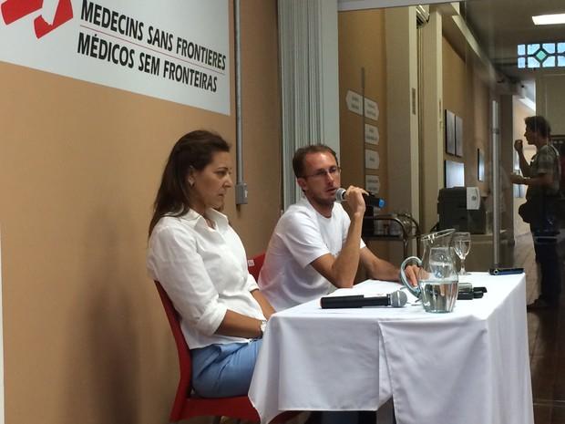 Médico carioca Paulo Reis e Susana de Deus, diretora do Médicos Sem Fronteiras falam sobre características do Ebola (Foto: Livia Torres/G1)