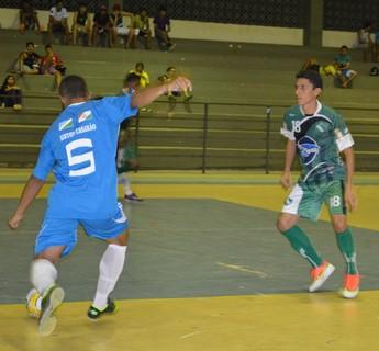 Airton/Casarão iniciou vencendo o Independente (Foto: Nailson Wapichana/GloboEsporte.com)