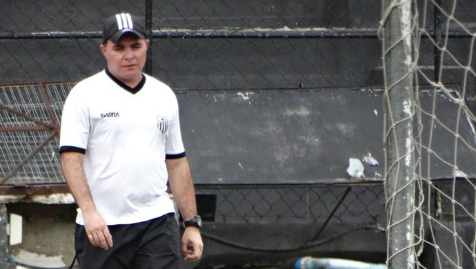 Técnico Laelson Lima (Foto: Vital Florêncio / GloboEsporte.com)
