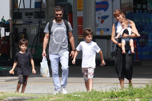 Sophie Charlotte, Daniel de Oliveira e os seus filhos  (Foto: Agnews / Dilson Silva)