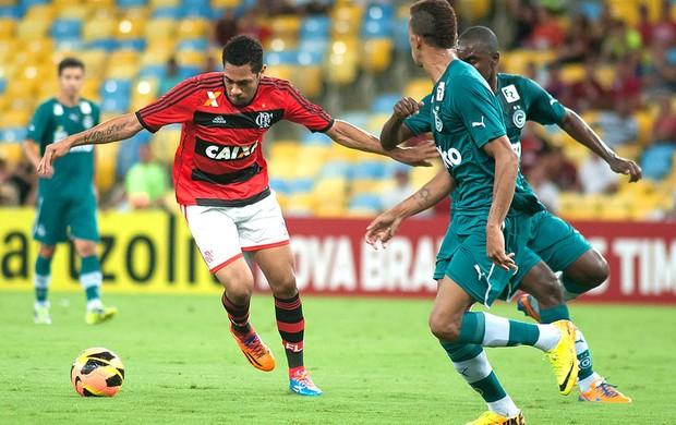Hernane Flamengo e Goias (Foto: Alexandre Vidal / Fla Imagem)