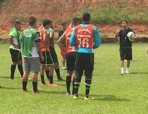Marcelo Guimarães comanda treino PPFC (Foto: Kawanny Barros / GloboEsporte.com)