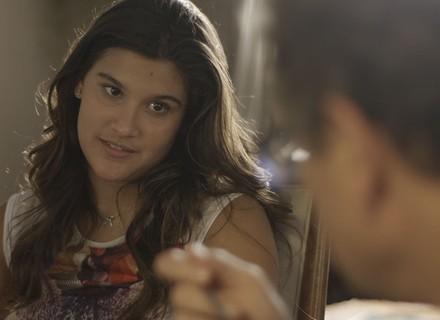 Lívia choca Ana e Miguel com pedido inusitado