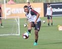 Ceará sofre lesão na pé esquerdo e deve ser baixa do Inter contra o Flu