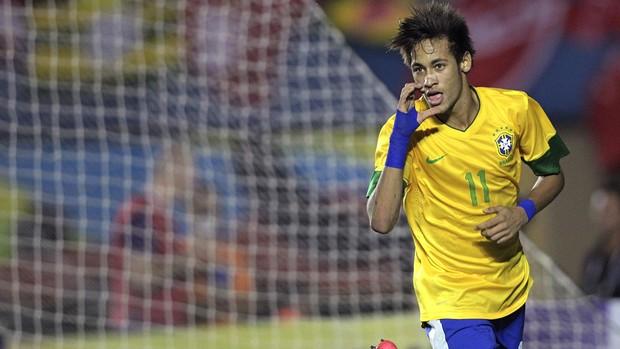 Neymar gol Brasil x Argentina (Foto: Agência Reuters)