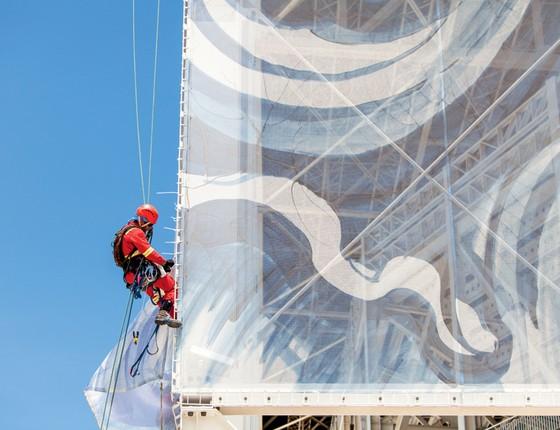 Operário trabalha no Estádio Aquático (Foto:  Alex Ferro)