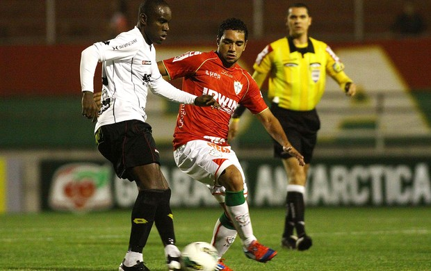 Hugo e Boquita, Portuguesa x Sport (Foto: Marcos Bezerra / Futura Press)