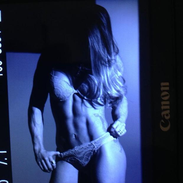 Michelly Crisfepe em clique do fotógrafo Pedro Colon (Foto: Reprodução/Instagram)
