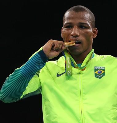 Robson Conceição conquista primeiro ouro da história do Brasil no boxe (Foto: Getty Images)