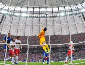 Szczesny polonia x grecia eurocopa (Foto: AFP)
