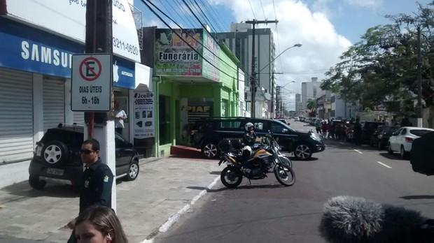 Funerária para onde foi elvado o corpo de Domingos Montagner (Foto: Amós Meneses)