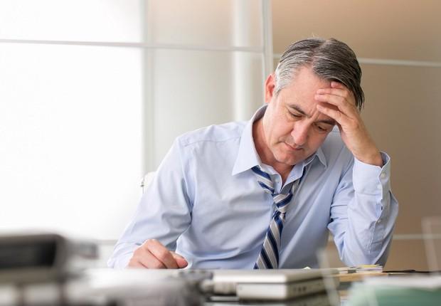 Carreira ; desapontado ; desanimado ; faltando energia ; mudar de carreira ; mudar de emprego ; mudar de rumo ;  (Foto: Shutterstock)