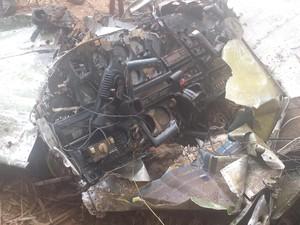 Painel e demais partes do avião foram recolhidos pela Polícia Federal (Foto: Wilson Ribeiro/Inter TV dos Vales)