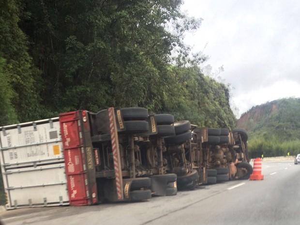 Acidente aconteceu no KM 78 (Foto: Divulgação/Grupo Águias)