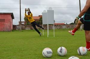 Pimentense treina em busca da reabilitação no campeonato (Foto: Fernanda Bonilha)