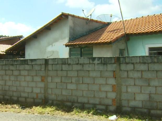 Mulher e ex-companheiro eram vizinhos de muro em Careaçu (Foto: Reprodução EPTV)
