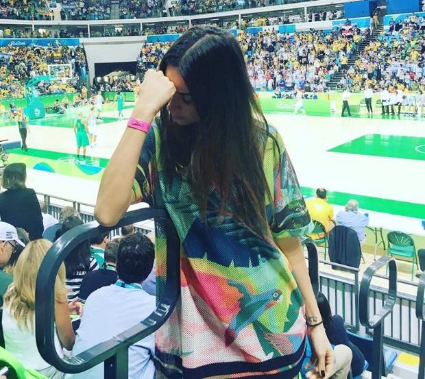 Thaila Ayala após a derrota do Brasil para a Argentina no basquete masculino (Foto: Reprodução/Instagram)