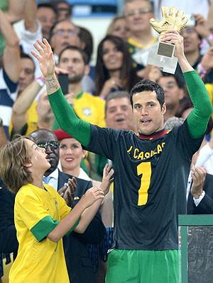 Julio César prêmio goleiro Brasil final Espanha (Foto: AFP)