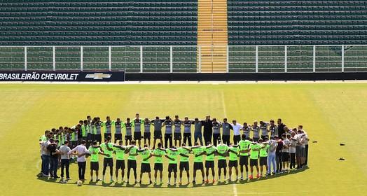 em oração (Luiz Henrique/Figueirense FC)