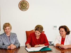Dilma sanciona lei que criou vale-cultura (Foto: Roberto Stuckert Filho / Presidência)