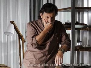 LC fica surpreso com a notícia (Foto: Além do Horizonte/TV Globo)