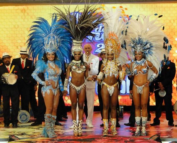 Viviane, Michelle, Thainara e Cintia disputam a grande final do concurso (Foto: Caldeirão do Huck / TV Globo)